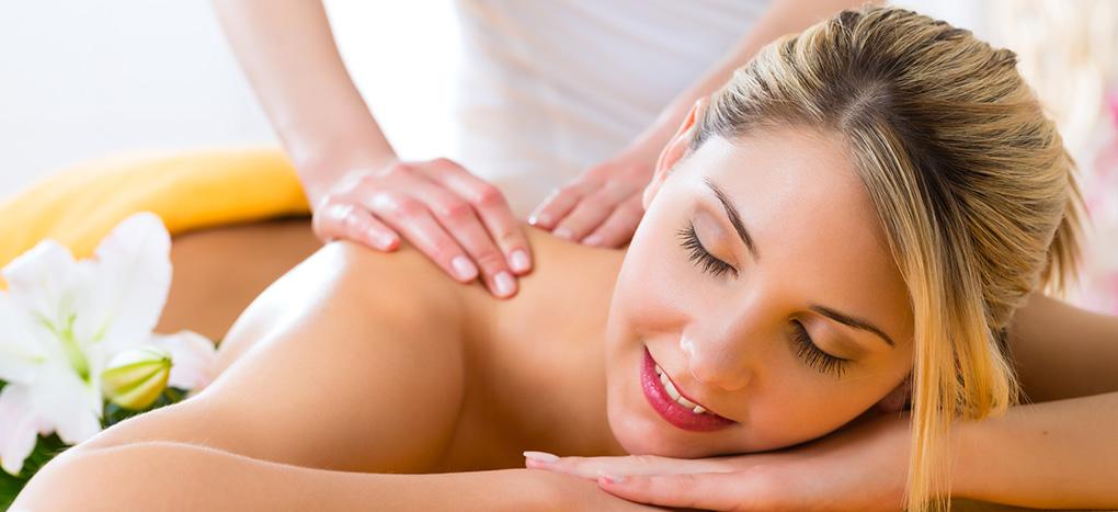 Rückenmassage – Ruhepol Wellnes im Allgäu